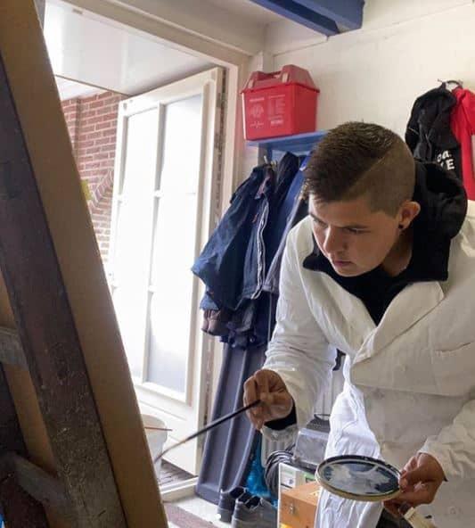 schilder aan het werk